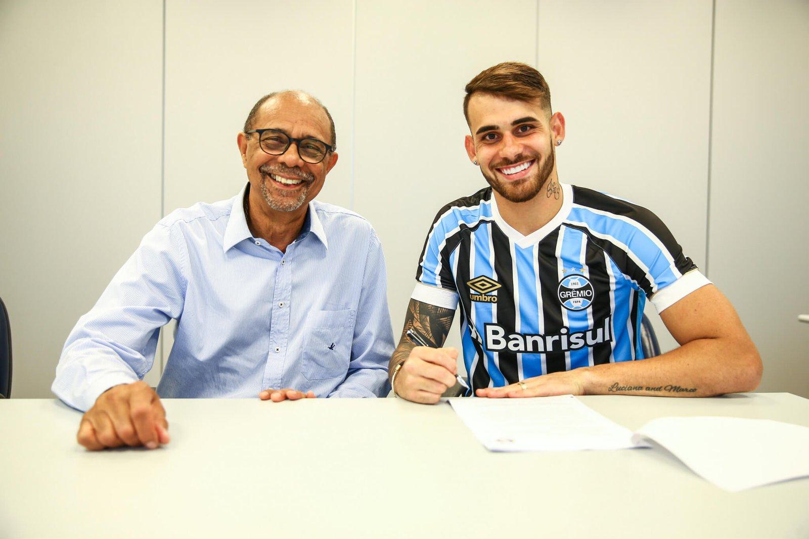 Grêmio oficializa Felipe Vizeu - JB Filho Repórter 19d122efba3bf